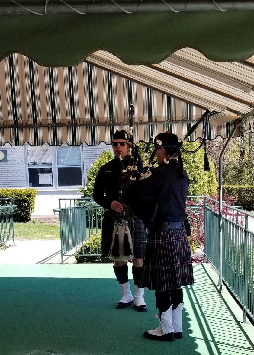 1_Bagpipes2-2