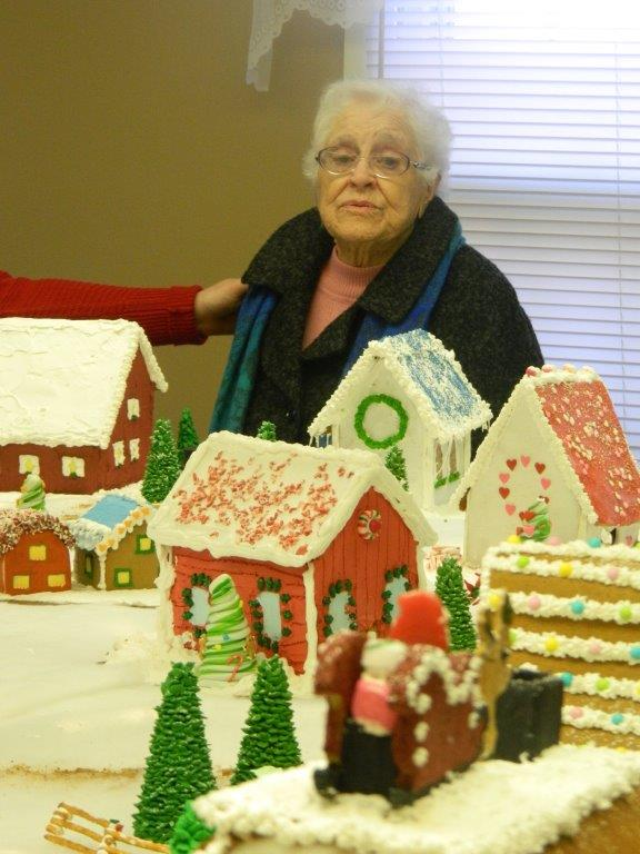 Gingerbread house visit 2015 (1)