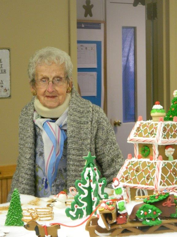 Gingerbread house visit 2015 (3)